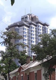 Житловий будинок в Дарницькому районі м. Києва.